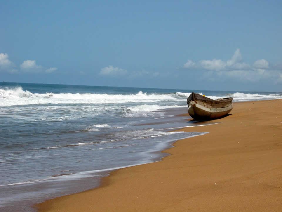 Plage de sable fin de Lomé